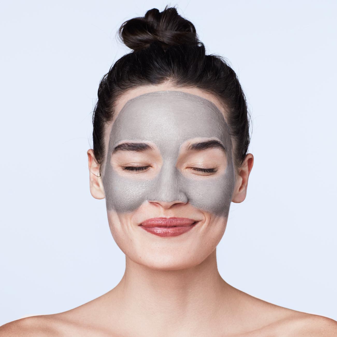 Mască de faţă cu argilă pentru purificarea porilor