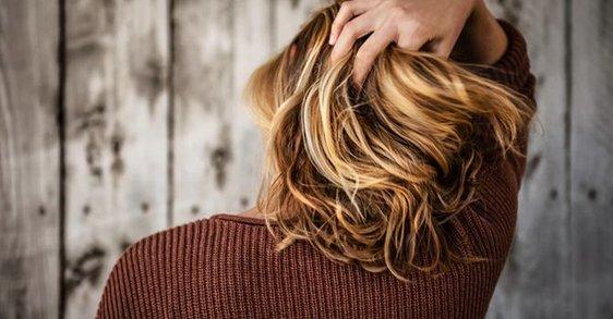 5 trucuri de îngrijire pentru îndesirea părului