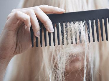 Căderea părului vs. reducerea densității părului: care este diferența?