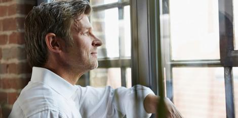 4 sfaturi pentru a lupta împotriva căderii părului la bărbaţi