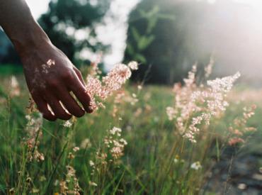 3 sfaturi pentru a încetini ritmul vieții și pentru a vă energiza ziua