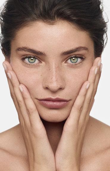 Îngrijirea pielii cât stăm acasă (și nu numai...)