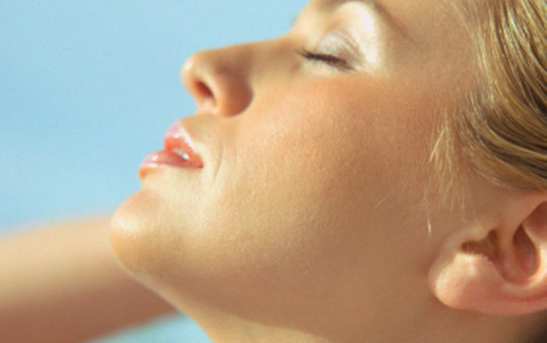 Protecție solară pentru ten acneic cu SPF