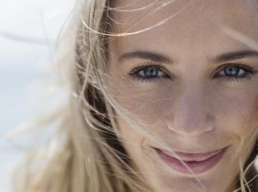 Ridurile de expresie cauzate de râs: Cum să reduceţi ridurile din jurul gurii?