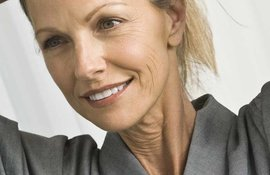 postmenopausal-thinning-hair-fact-vs-fiction