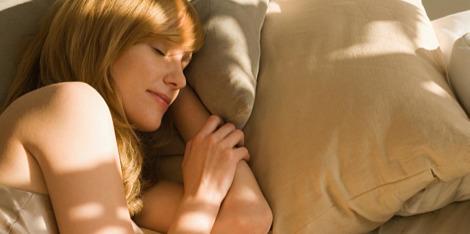 Ce se întâmplă cu pielea noastră atunci când dormim?