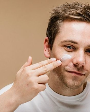 Care este cel mai bun tratament pentru acnee?