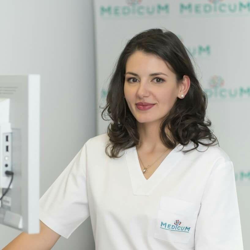 doctor Iulia Panturu