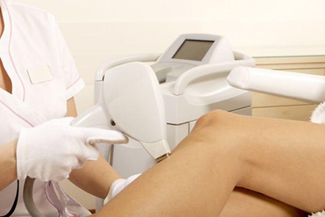 Tehnica epilării definitive cu IPL este o soluție modernă și foarte eficientă pentru tratarea foliculitei.