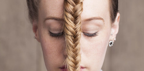 Cocuri, cozi, împletituri... este coafura cea care cauzează căderea părului?