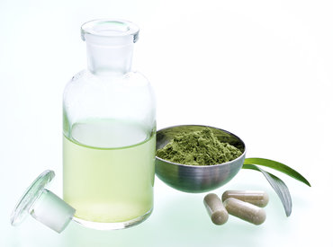 Uleiul de ricin, drojdia de bere: remedii naturale împotriva căderii părului