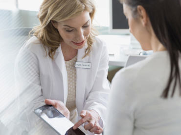 Recomandările dermatologilor în funcție de vârstă, cu privire la încetinirea îmbătrânirii tenului