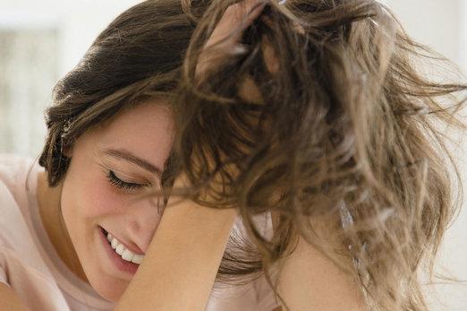 Întrebări frecvente despre îngrijirea părului. Ce este densitatea părului?